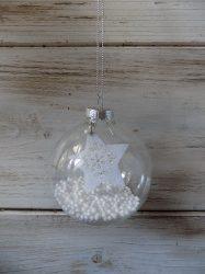 Átlátszó üveggömb, fehér csillaggal