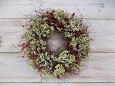 Őszi koszorú hortenziával, bogyókkal, természetes. ∅:30-35cm