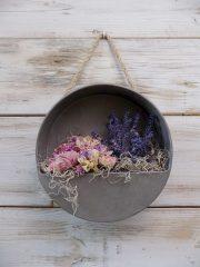 Cink fali virágtartó szárított virágokkal. ∅:20cm, mélység: 6cm