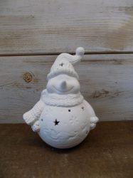 Ledes hóember figura, matt fehér kerámia.16,5x11cm